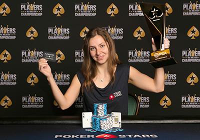 Dzięki jednej książce o pokerze wygrała majątek